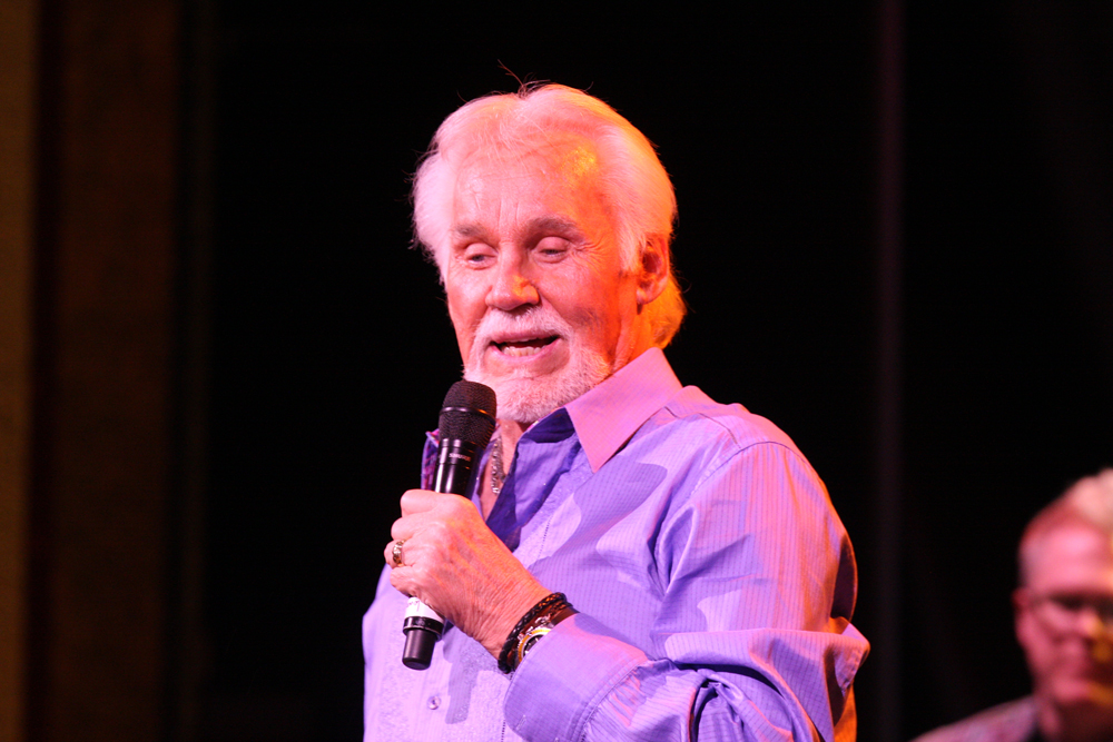 Country King Kenny Rogers Dies