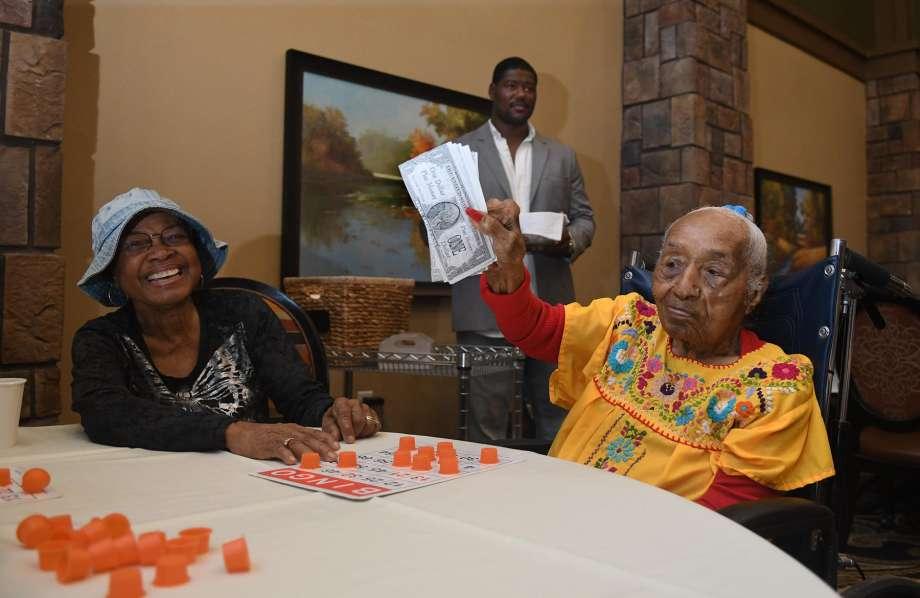 Titans star Laurence Gibson enjoys bingo night at Landon Ridge