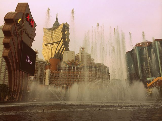 Macau Casinos see drop in stock prices