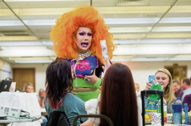 Miss Theas Drag Queen Bingo Makes a Difference