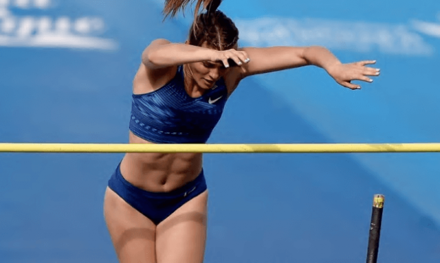 Alysha Newman Smashes Two Pole Vault Records