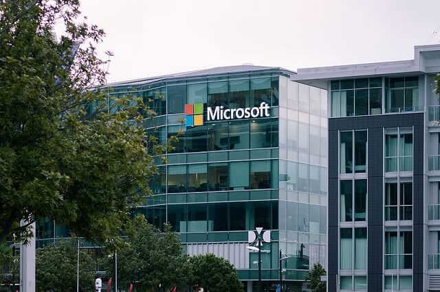 Microsoft Sides With Epic In Apple Spat