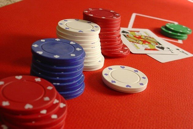 Stakelogic Enters Live Casino Sector