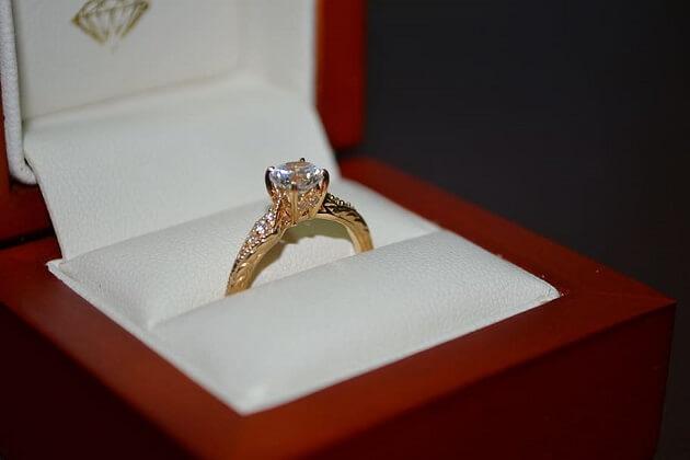 Alberta Designer Creates Kaitlyn Bristowe's Ring