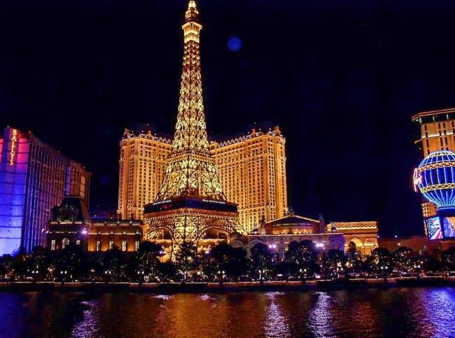 Vegas Teachers Call For Casino Tax Hike